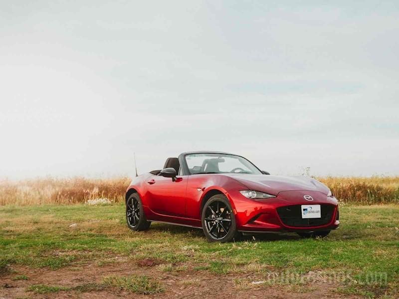 foto Mazda MX-5 i Sport nuevo color A elección precio $405,900