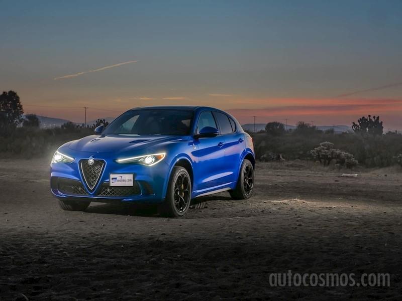 foto Alfa Romeo Stelvio Quadrifoglio nuevo color A elección precio $1,980,000