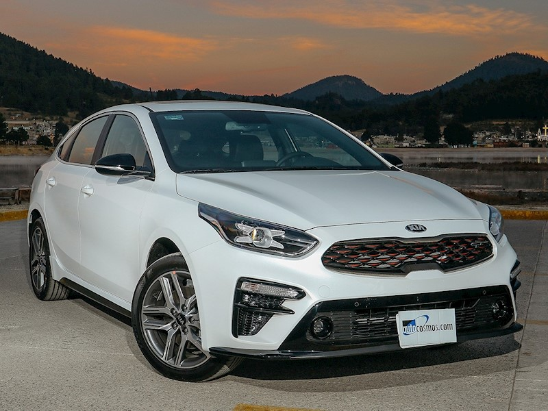 foto Kia Forte HB GT Aut Doble Embrague