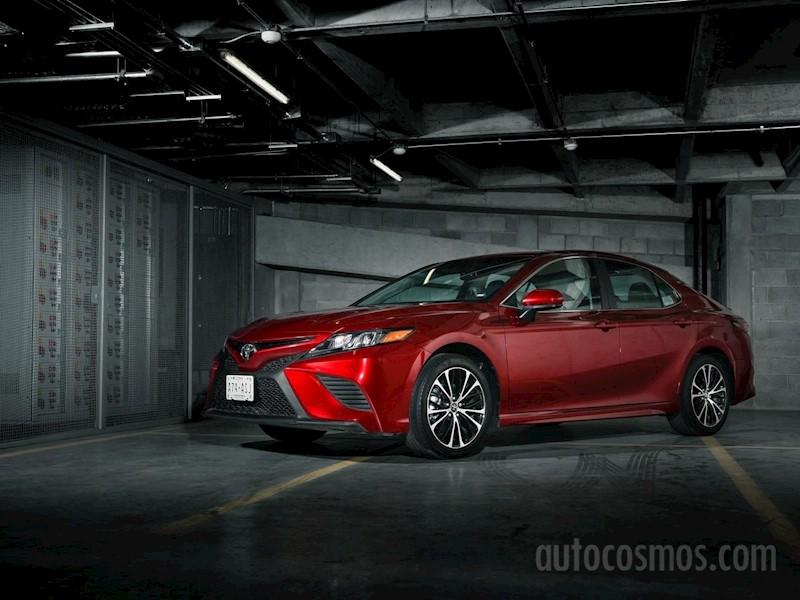 foto Toyota Camry SE 2.5L nuevo color A elección precio $460,800