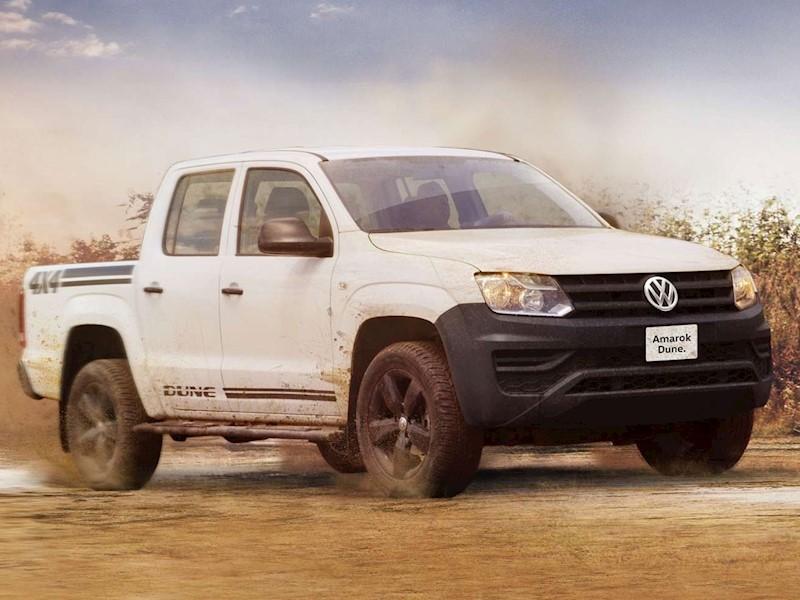 foto Volkswagen Amarok Trendline 4x4 TDi DUNE nuevo color A elección precio $584,307