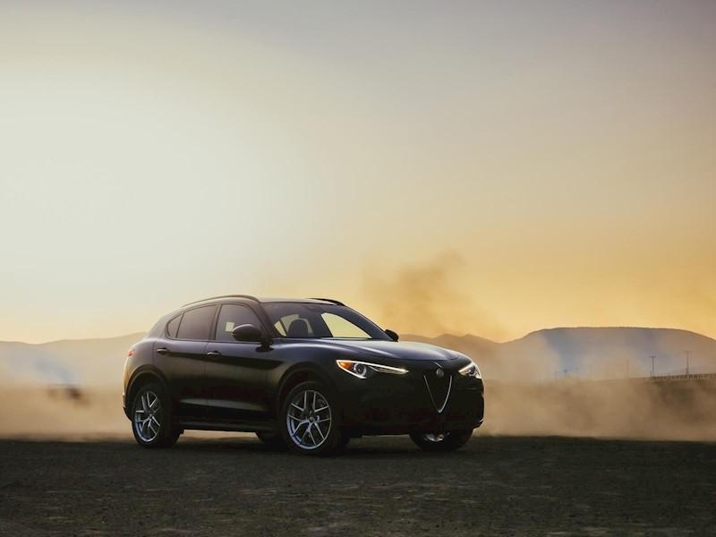 foto Alfa Romeo Stelvio Sport nuevo