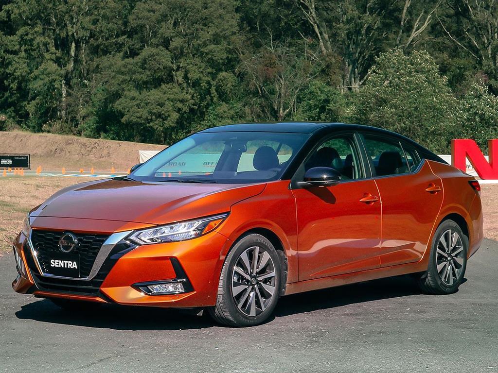 foto Nissan Sentra Exclusive Aut nuevo color A elección precio $465,900