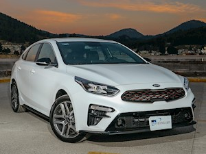 foto Kia Forte HB GT Aut Doble Embrague (2020)