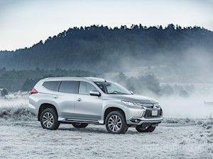 Mitsubishi Montero Sport ES nuevo color A eleccion precio $640,600