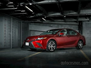 foto Toyota Camry XLE 2.5L (2019)