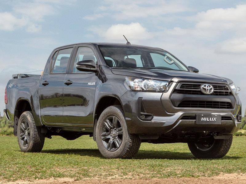 Toyota Hilux 4X2 Cabina Doble SR 2.4 TDi nuevo color A eleccion precio $2.580.100