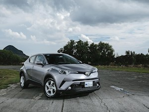 Foto Toyota C-HR 2.0L financiado