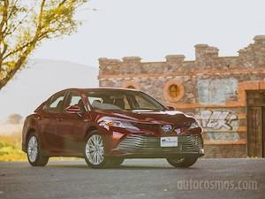 Toyota Camry XLE 2.5L Navi Hibrido nuevo color A eleccion precio $622,200