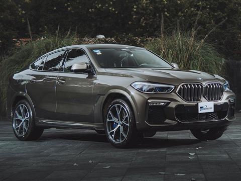 foto BMW X6 M50i