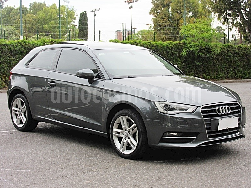 foto Audi A3 1.8 3P T FSI S-Tronic Usado