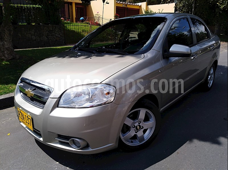 foto Chevrolet Aveo Emotion 4P 1.6L Full usado