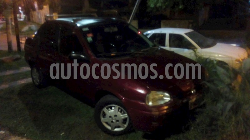 foto Chevrolet Corsa Classic 4P 1.6 GL usado