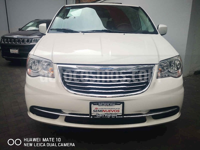 foto Chrysler Town and Country LX 3.6L usado