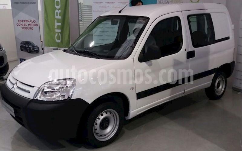 foto Citroën Berlingo Furgón 1.6 HDi Business Mixto nuevo color Rojo Rubí precio $999.000