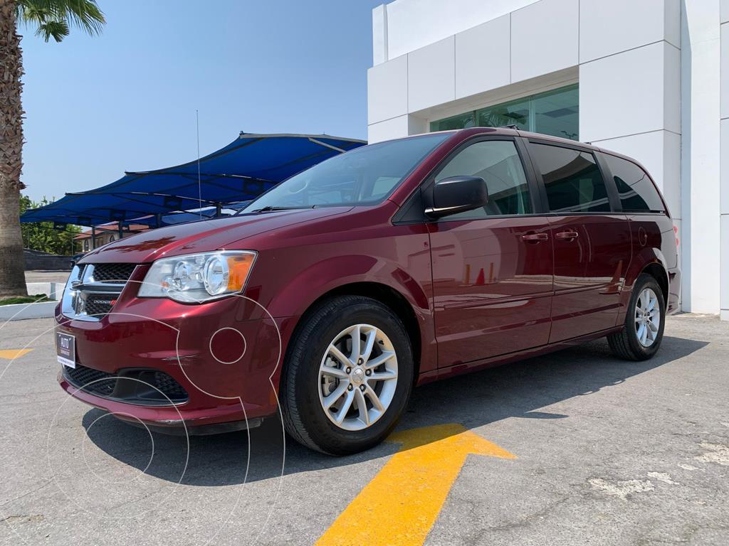 foto Dodge Grand Caravan SXT+ usado (2017) color Rojo Cobrizo precio $431,200