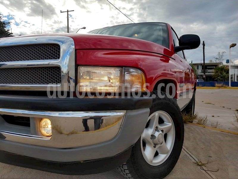 foto Dodge Ram Wagon 2500 SLT V8 usado