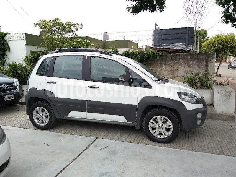 foto FIAT Idea Adventure 1.6 usado