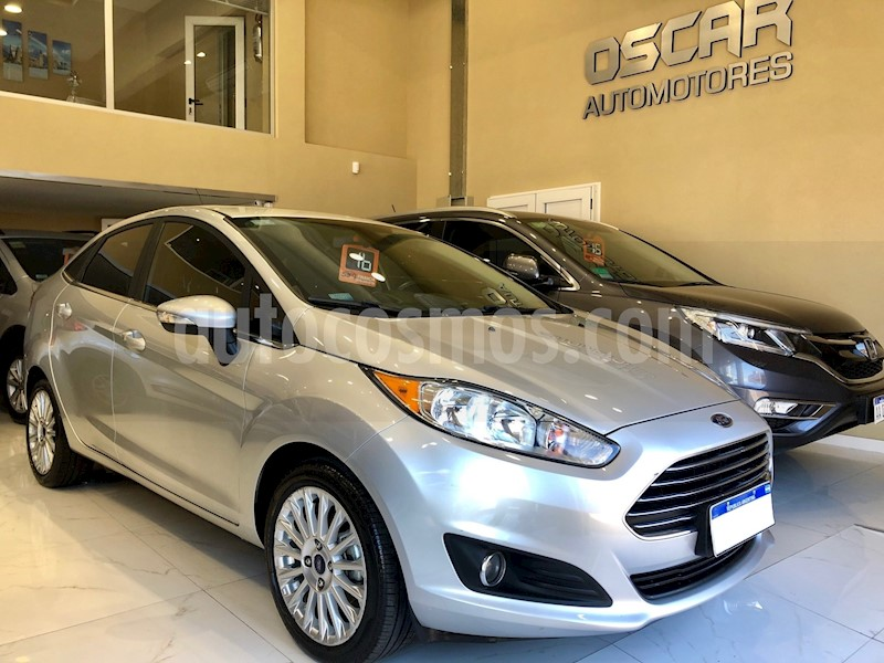 foto Ford Fiesta Kinetic Sedan Titanium usado