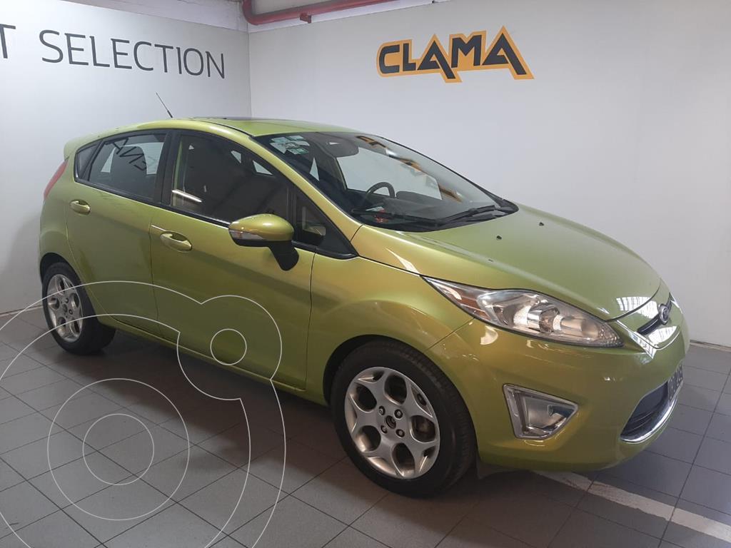 foto Ford Fiesta Kinetic Titanium usado (2011) color Verde Lima precio $890.000