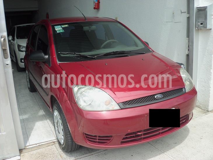 foto Ford Fiesta  Ambiente usado (2004) color Bordó precio $429.900