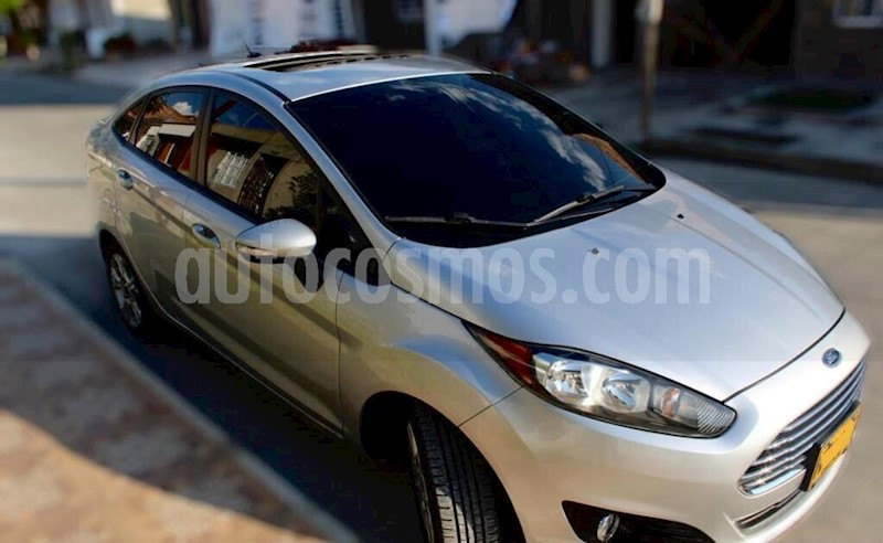 foto Ford Fiesta Titanium  usado