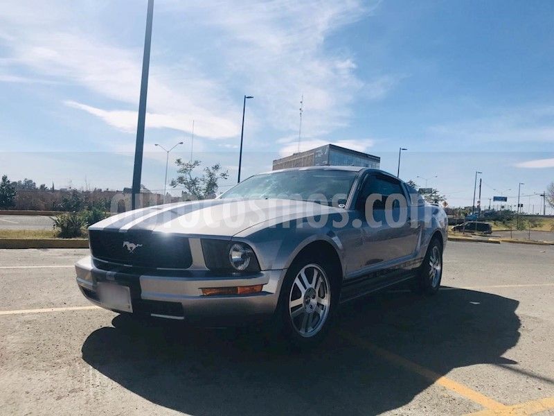 foto Ford Mustang Coupe V6 Aut usado