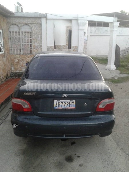 foto Hyundai Accent Familiar L4,1.3i,12v S 2 1 usado