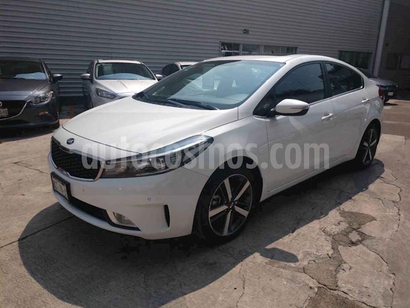 foto Kia Forte SX Aut usado (2018) color Blanco precio $290,000