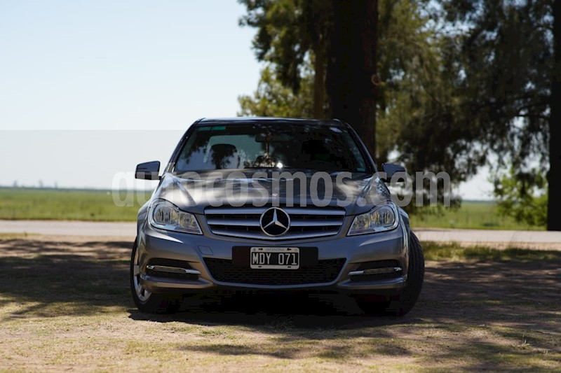 mercedes clase c c200 cgi blue efficiency 1.8l usado 2013 color gris tenorita precio u s20.000