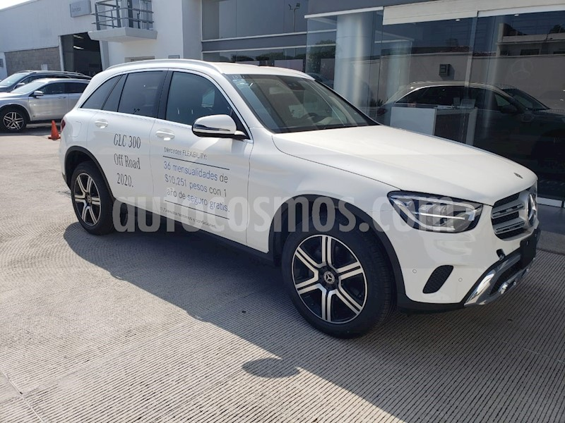 foto Mercedes Benz Clase GLC 300 4MATIC Off Road usado (2020) color Blanco precio $867,900