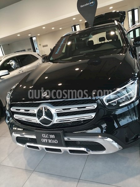 foto Mercedes Benz Clase GLC 300 4MATIC Off Road usado (2020) color Negro precio $892,999