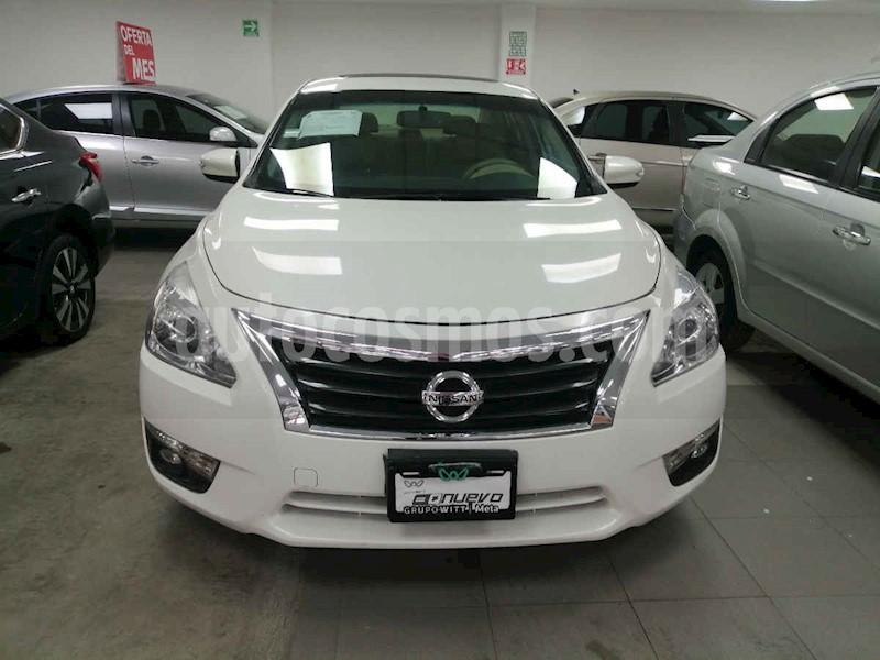foto Nissan Altima Exclusive usado (2015) color Blanco precio $235,000