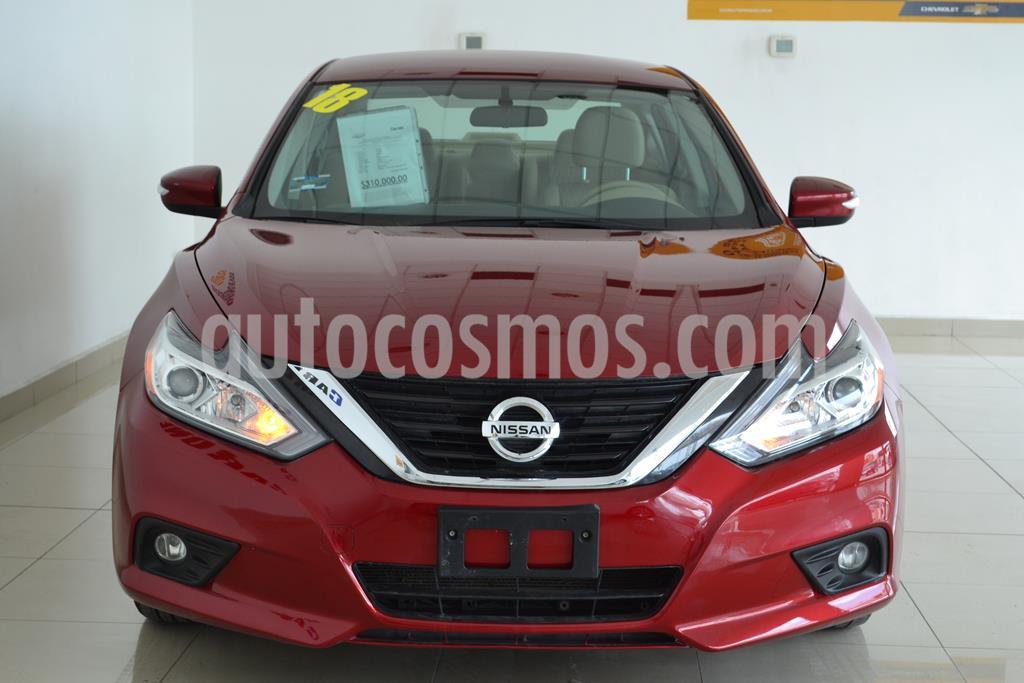 foto Nissan Altima Sense usado (2018) color Rojo precio $275,000