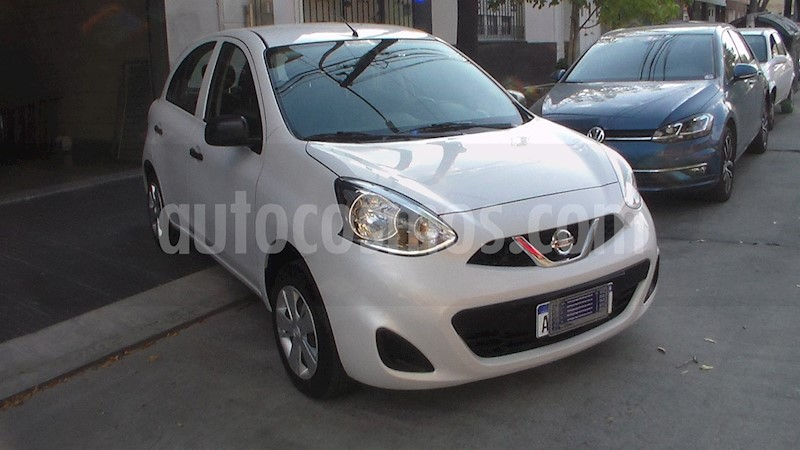 foto Nissan March Active usado