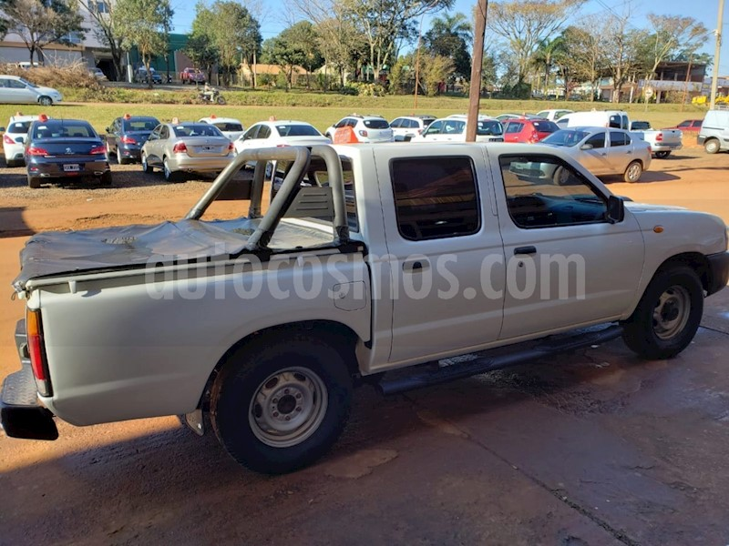 foto Nissan NP 300 Frontier PICK-UP NP 300 2.5 FRONTIER 4X2 usado