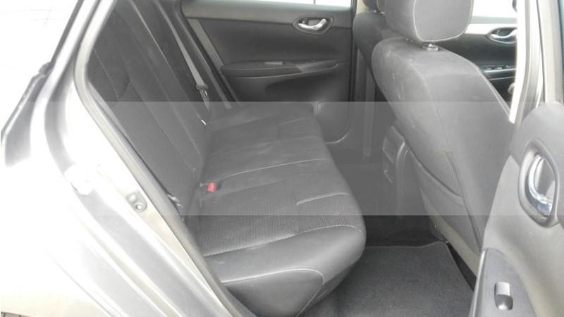 foto Nissan Sentra 4p Sense L4/1.8 Man usado