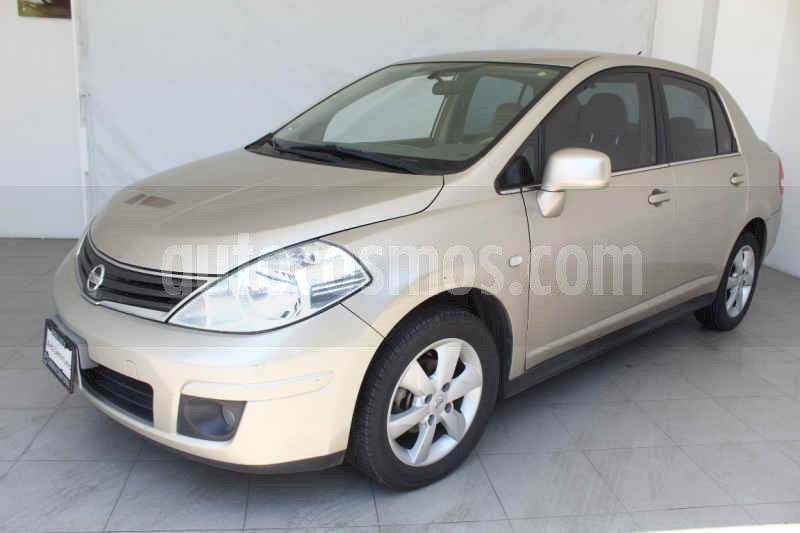 foto Nissan Tiida Sedan Emotion Aut usado
