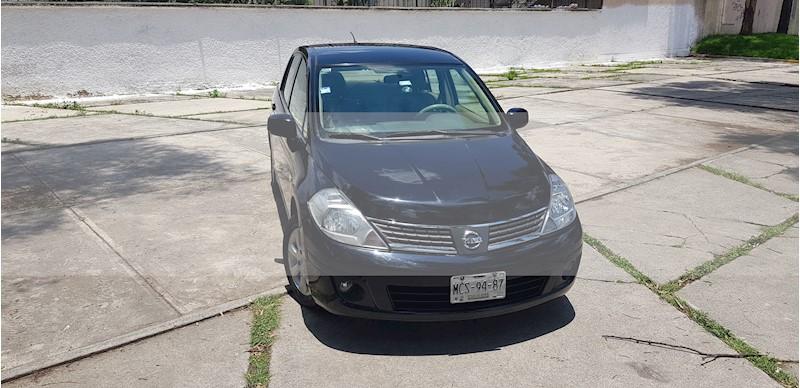 foto Nissan Tiida Sedan Emotion usado