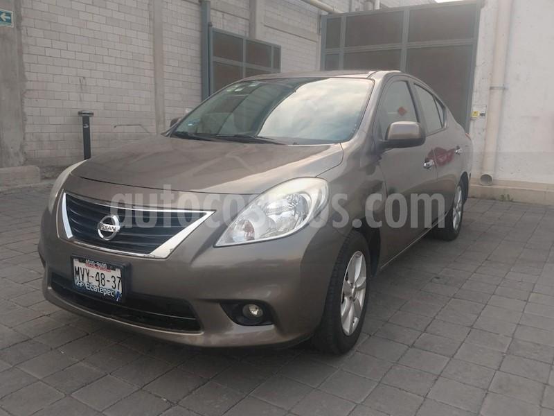foto Nissan Versa Advance Aut  usado (2014) color Acero precio $130,000