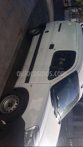 peugeot partner furgon 1.4 confort pcl usado 2015 color blanco precio 690.000