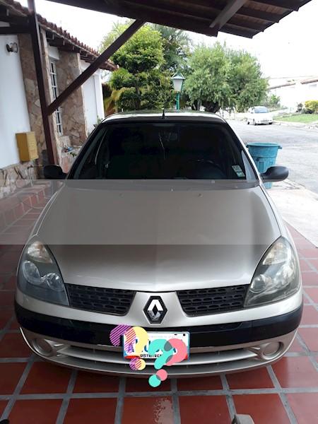 foto Renault Clio expression 1.4  16V  110CV usado