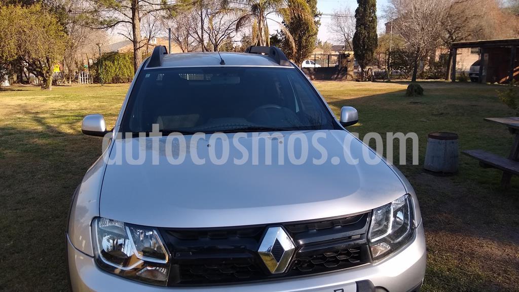Renault Duster Oroch Outsider Usado  2018  Color Plata Precio  1 280 000