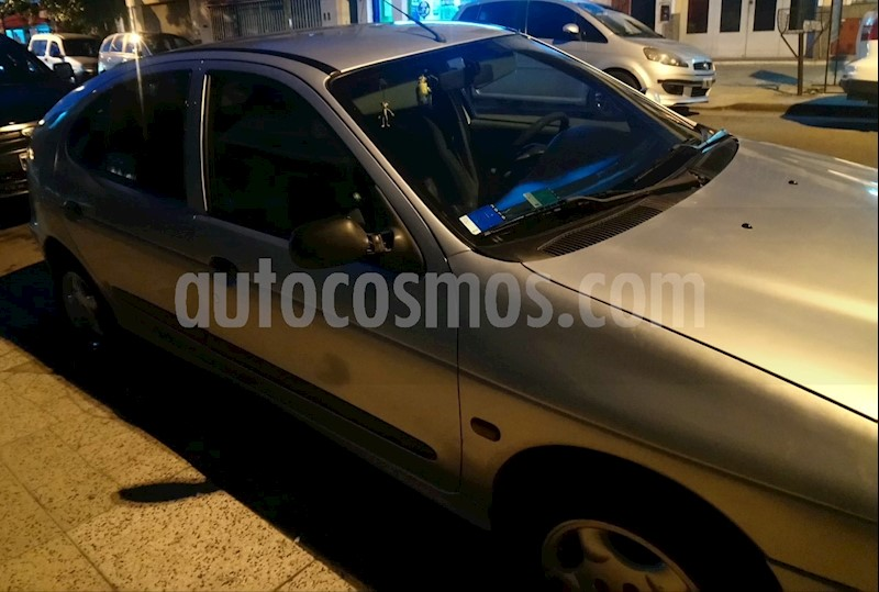 foto Renault Megane Bic 2.0 RXE Full usado