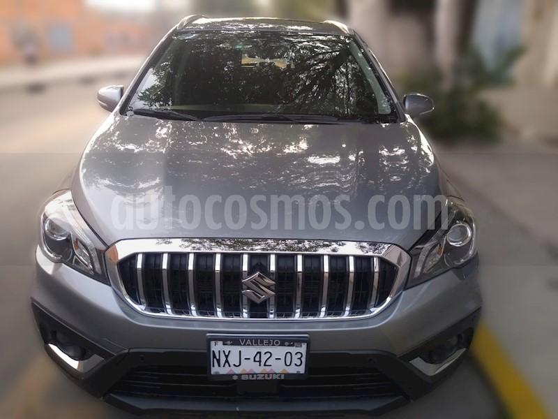 foto Suzuki S-Cross Turbo Aut usado (2019) color Plata Mercurio precio $330,000