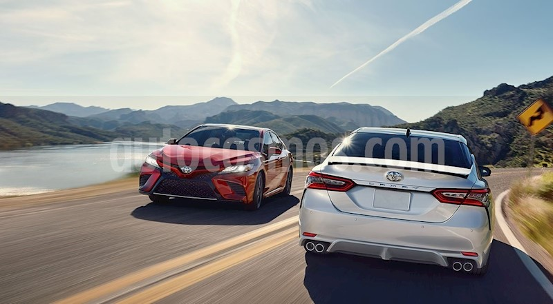 foto Toyota Camry SE 2.5L nuevo color Blanco precio $460,800