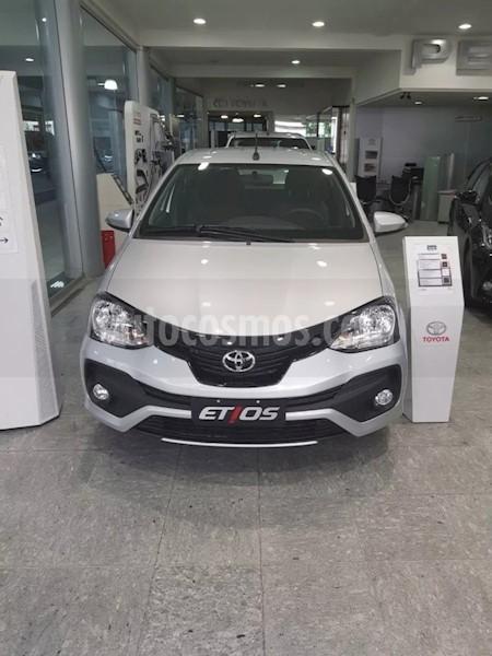 foto Toyota Etios Hatchback X usado