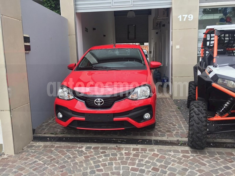 foto Toyota Etios Hatchback XLS usado