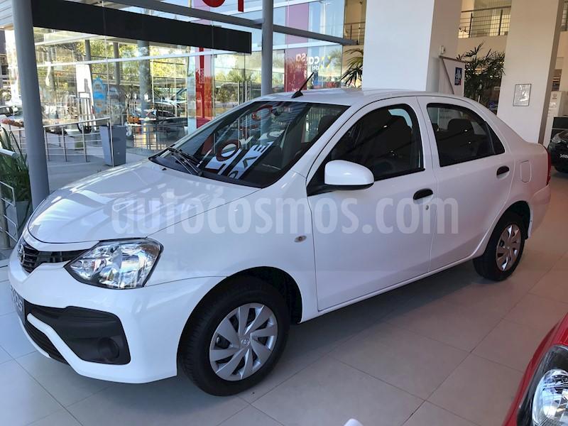 foto Toyota Etios Sedán X usado (2019) color A elección precio $968.800