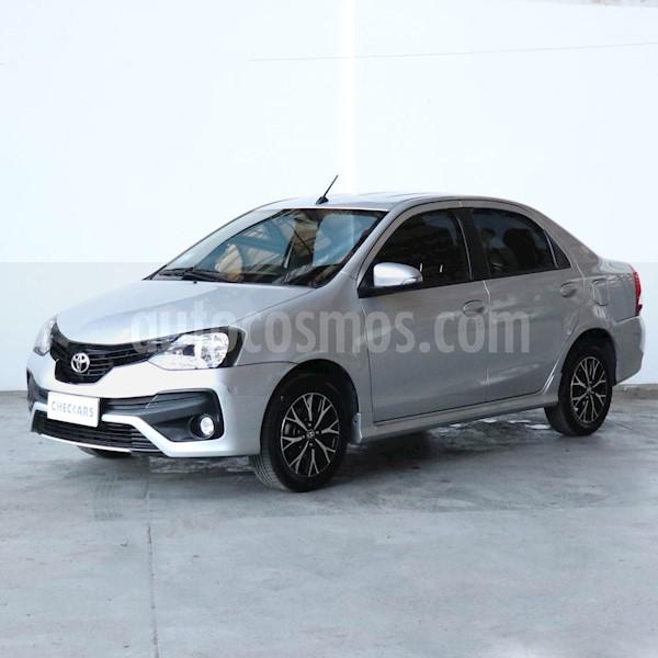 foto Toyota Etios Sedán XLS usado (2018) color Gris precio $1.039.700